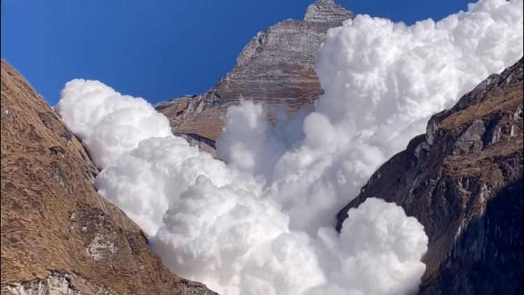 'Once-in-a-lifetime' moment: avalanche caught on camera
