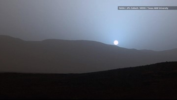 Why Does Mars Have Blue Sunsets?