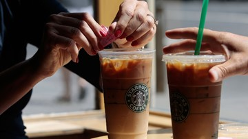 Man says he found a lizard in his Starbucks drink