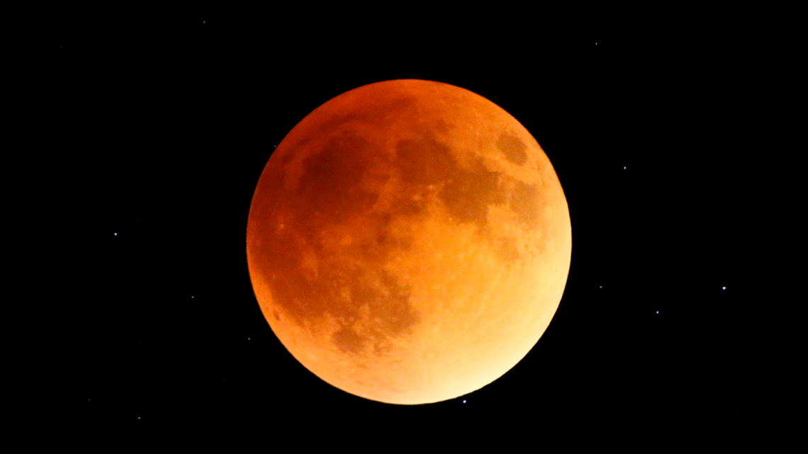 how to watch a lunar eclipse safely