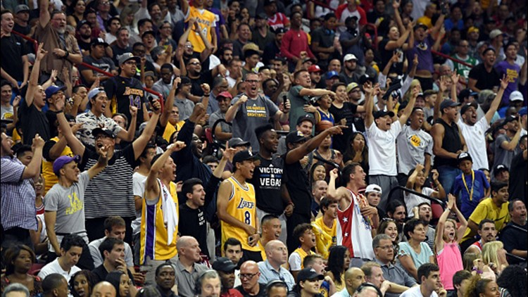 As LeBron James news spreads, Lakers fans start celebrating ...