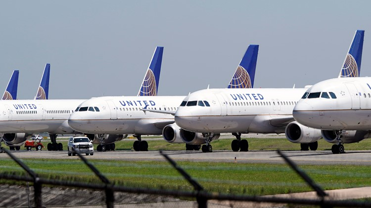 United to train pilots with no experience at its new academy