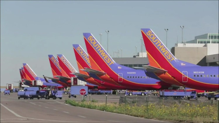 Southwest Airlines cancels at least 1,000 more flights across the US