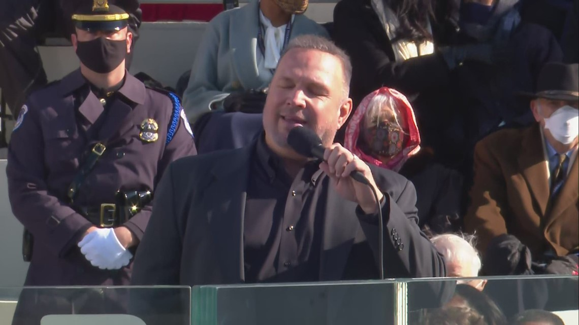 Garth Brooks sings 'Amazing Grace' at inauguration