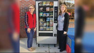 Florida school uses vending machine to dispense books instead of snacks