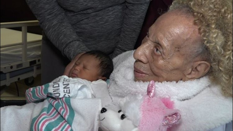 105-year-old matriarch meets 5th generation grand baby for first time