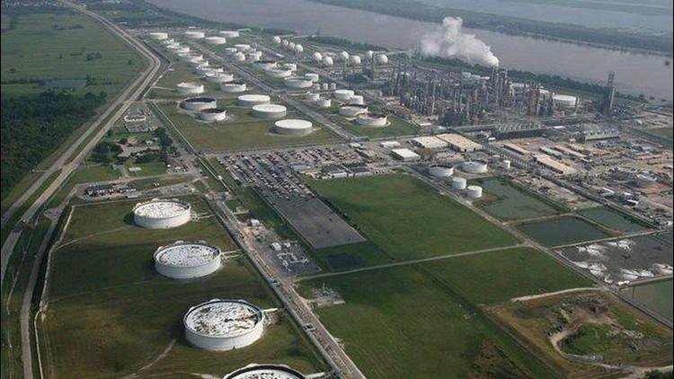 5 La. refineries, 3 near New Orleans, exceed benzene threshold