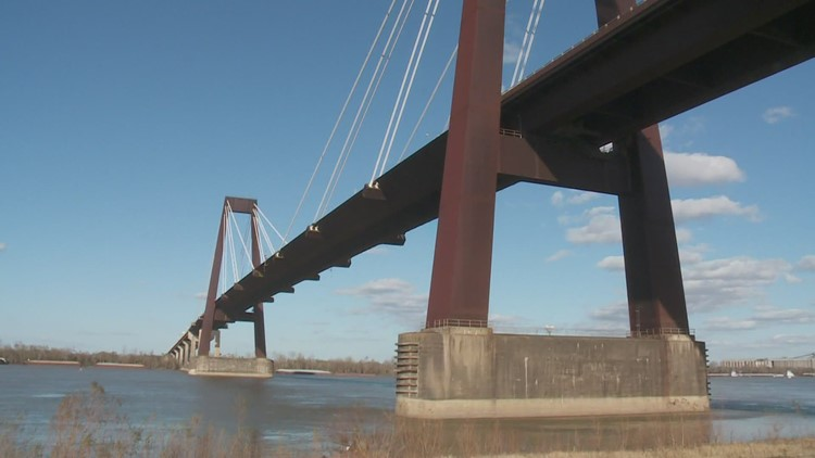 Construction worker missing after hit-and-run on Hale Boggs Memorial Bridge
