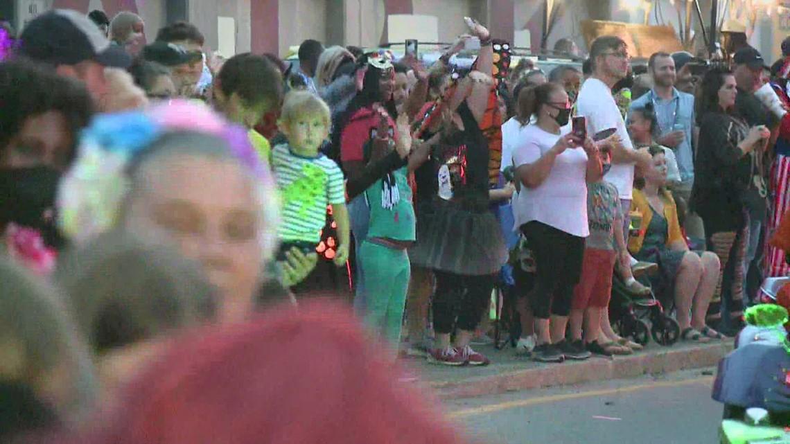 1,350 join city COVID parade study
