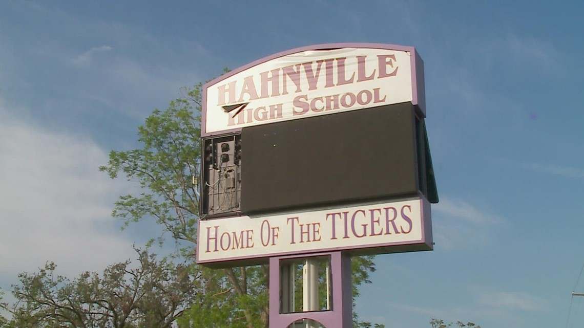 Destrehan High School students return for in-person learning at Hahnville High School