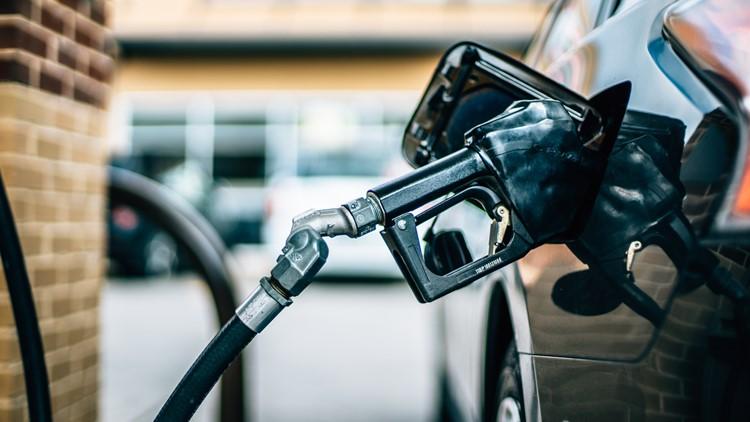 Average US price of gas rises 2 cents per gallon to $3.13