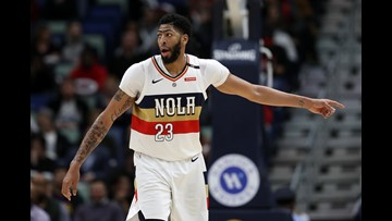 Anthony Davis injures finger, out up to 2 weeks
