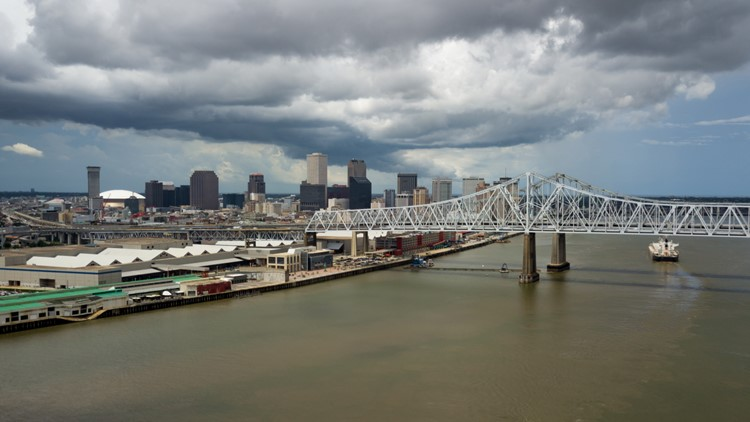 Hotel tax bill for New Orleans advances