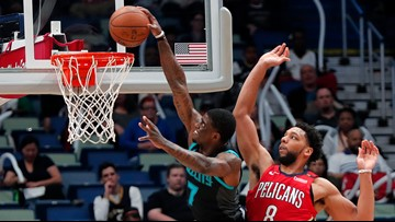 AD sits out 4th straight game as Pels fall to Hornets 115-109