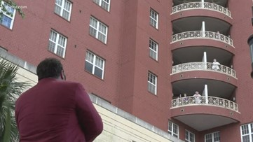 Lambeth House residents in isolation get live performance from well known New Orleans opera singer