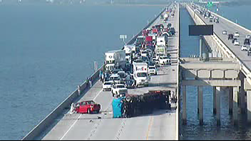 Twin Span Bridge reopens after  18-wheeler overturns on I-10 East