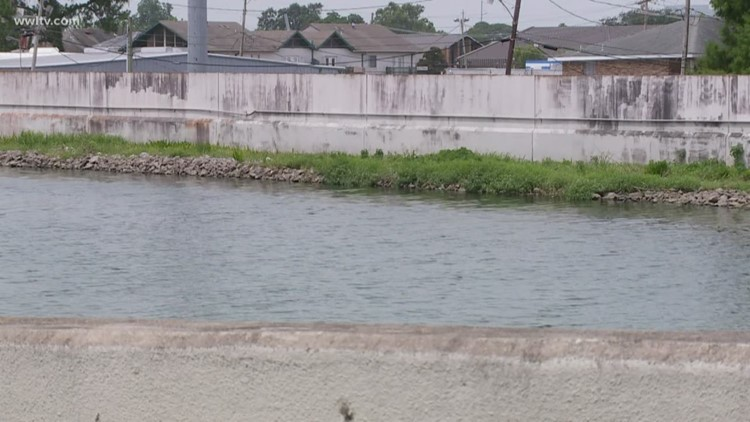 New Orleans levees sinking faster than planned
