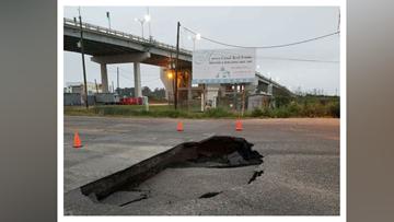 Water main break causes large sinkhole in Jefferson Parish