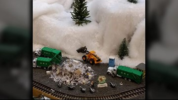 JP Landfill makes Lakeside Mall's holiday display