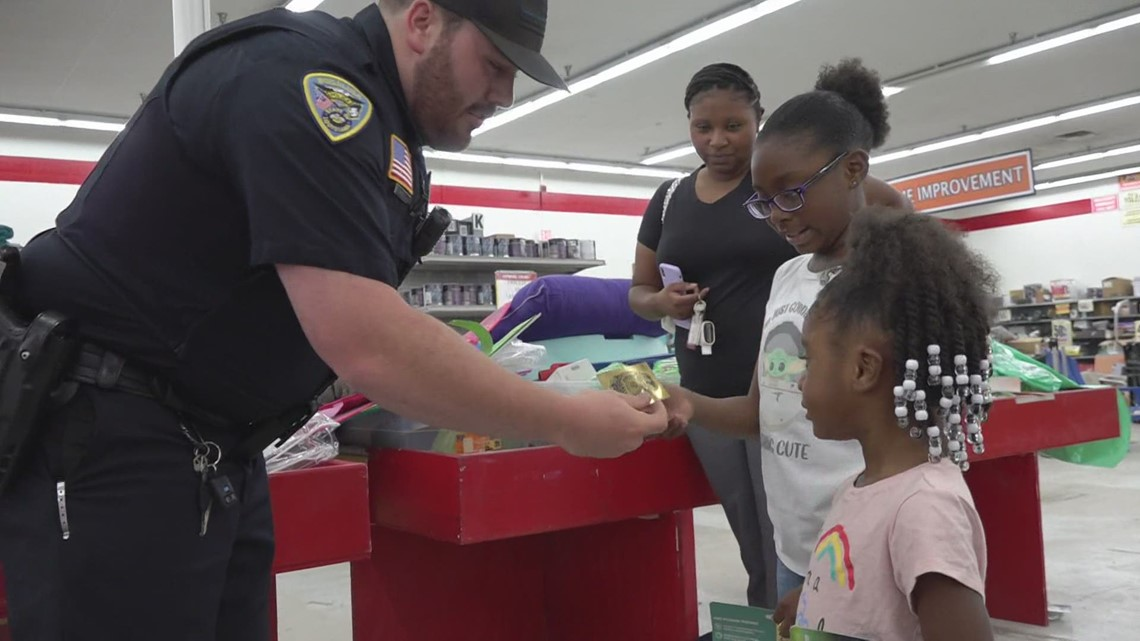 Bogalusa Police giving out tickets for free ice cream, snoballs to kids