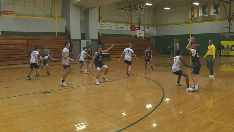 Lafourche basketball team bond stronger than ever