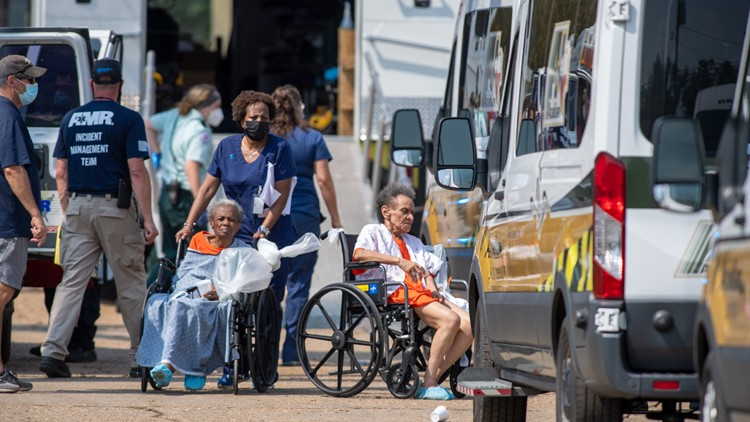 State pulls licenses of nursing homes that sent hundreds to warehouse where 7 died