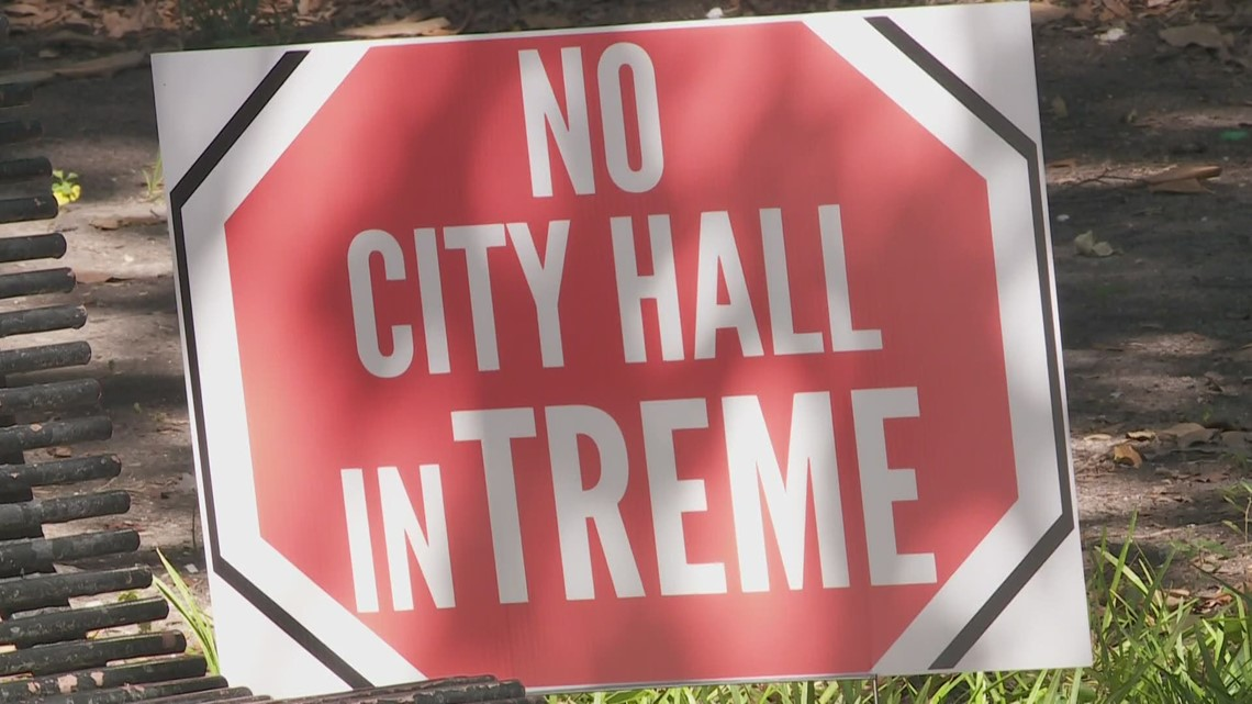 Cantrell backs away from City Hall move
