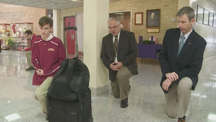 Brother Martin prays for head football coach after emergency surgery