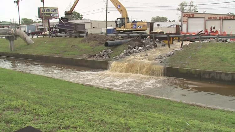 Temporary fix stops deluge of sewage from burst pipe in Metairie