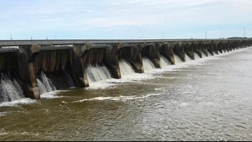 U.S. Army Corps begins closing 10 bays at Bonnet Carré Spillway