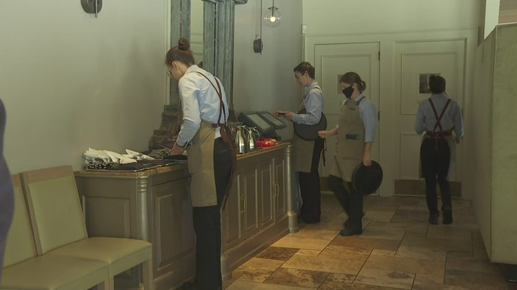 Worker shortages continue in the restaurant industry