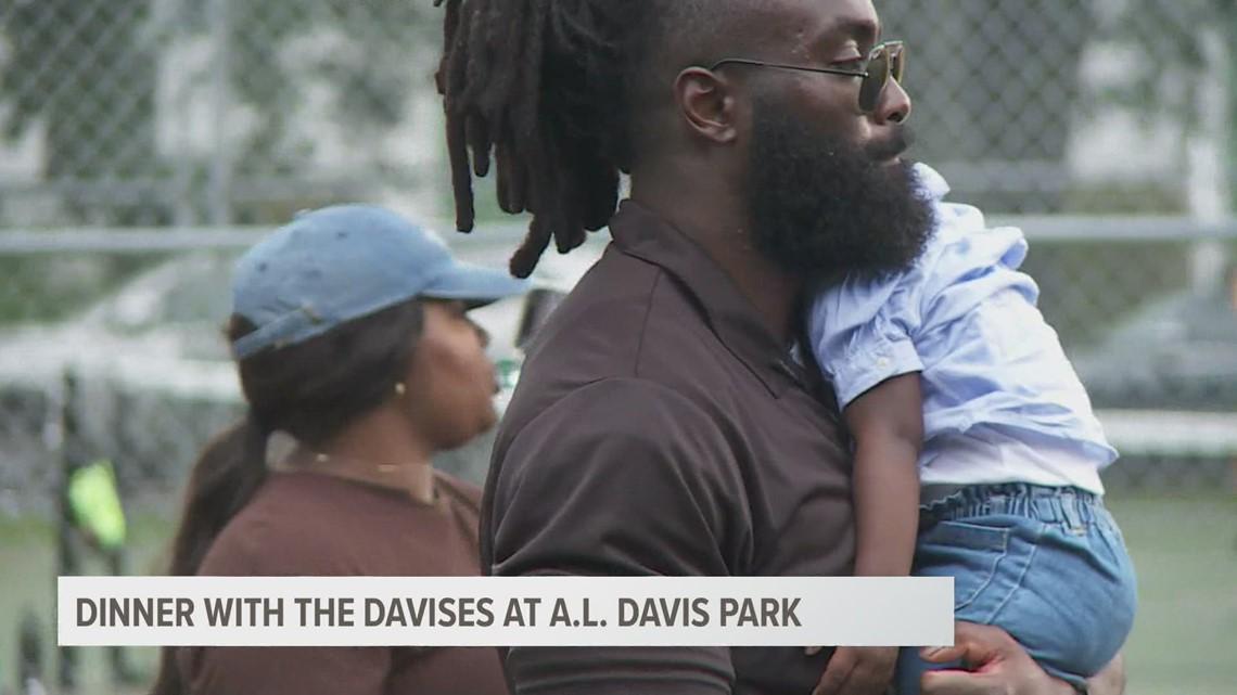 Saints' Demario & Tamela Davis invite community to family dinner table