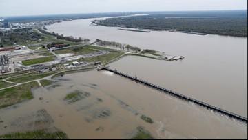 Mississippi River falls below 11 feet, ends longest flood fight ever