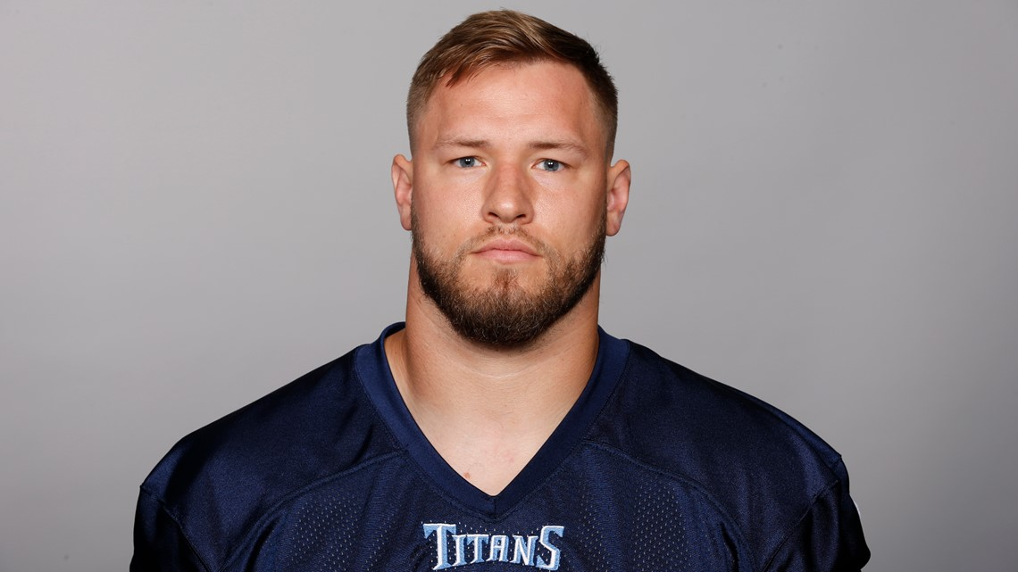 Saints add veteran linebacker Will Compton to camp roster