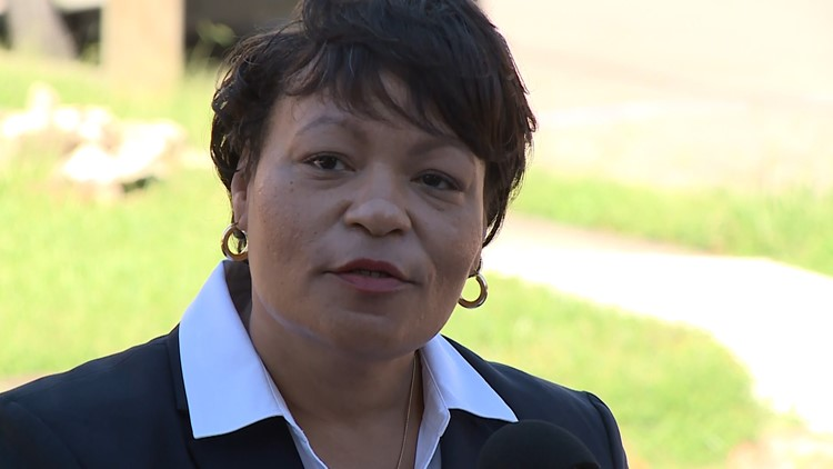 Cantrell promises better minority contracting in 'most Afrocentric city in US'