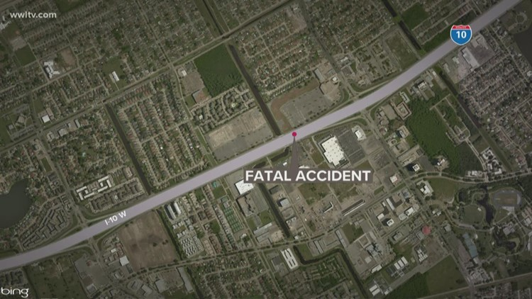NOPD investigating fatal 3-car crash near Canal exit on I-10 West