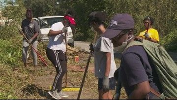 Alabama students join local organization to impact 9th Ward clean up