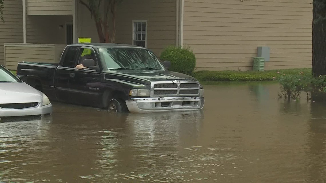 Mandeville apartment complex floods as rain hammers the Northshore