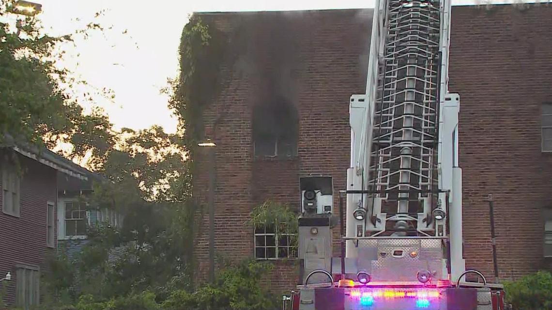 Firefighters battle 2-alarm fire on Short Street